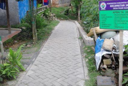 Paving Block Kp. Eretan Desa Pasir Barat 2017