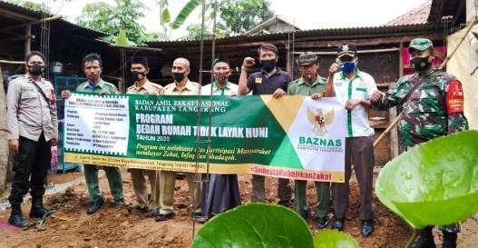 Rumah Kumuh Milik Nenek Taswi Warga Pasir Barat Jambe Diperbaiki Baznas Kabupaten Tangerang Tahun 2020